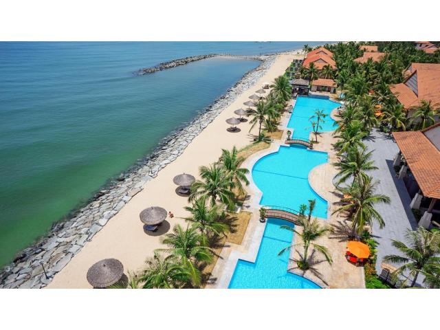 5 Star Beachfront Resort /212rooms